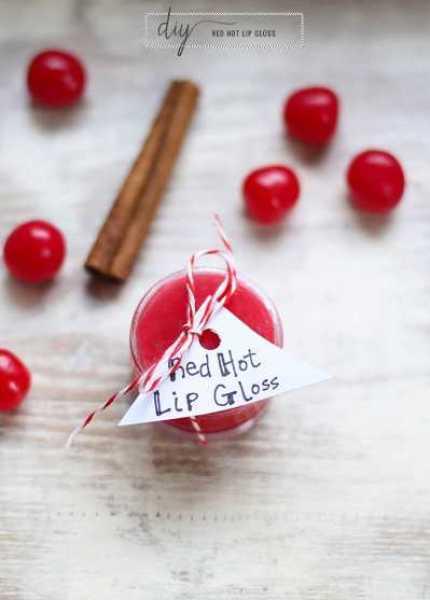 DIY-red-hot-plumping-lipgloss