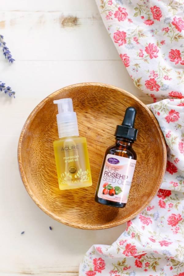 homemade-argan-and-rosehip-oil-moisturizer-0131-2-683x1024