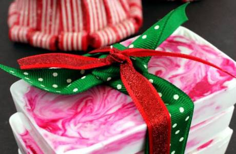 Handmade Gifts – Easy Peppermint Soap