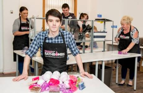 L'Oreal Suing Small Bath Bomb Business – You Will Never Guess Why