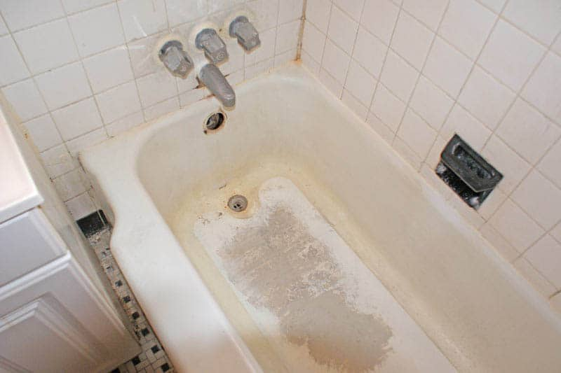 Bathtub Refinishing Damage Cost GuideBathRenovationHQ
