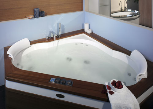 corner whirlpool bathtub