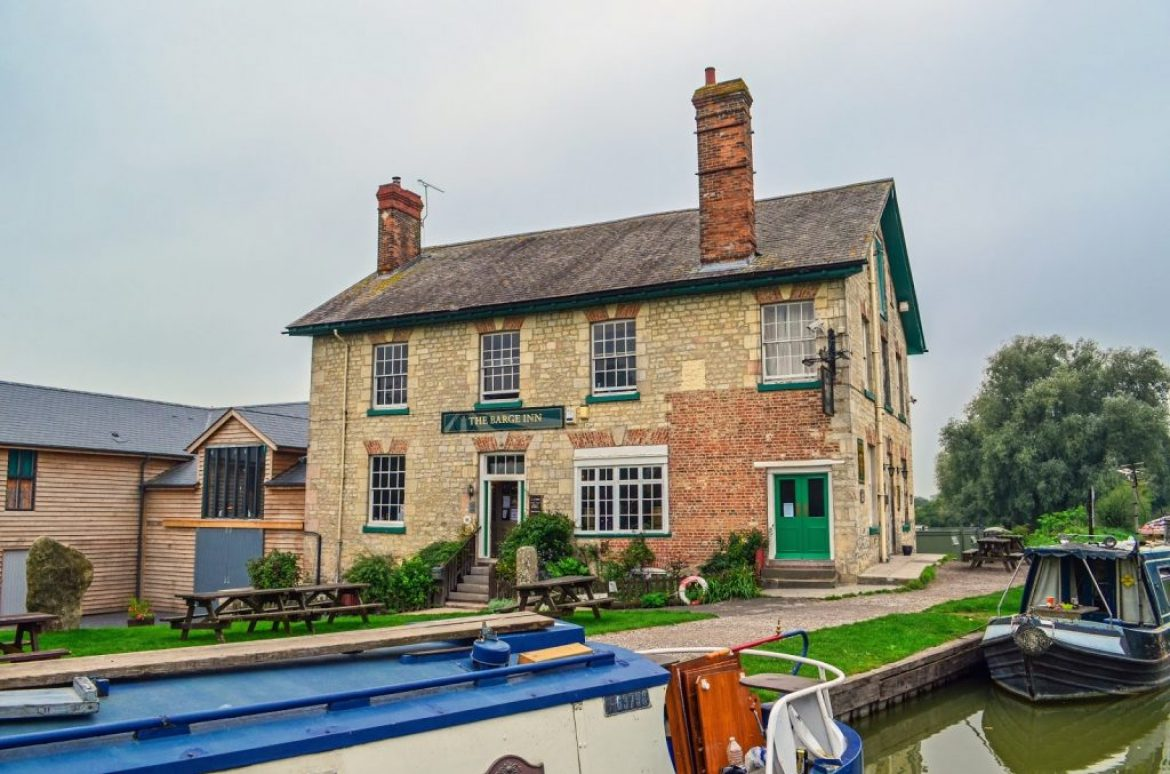 Go Visit The Barge Inn Bradford on Avon  Pubs by the River  Tucking Mill Self Catering