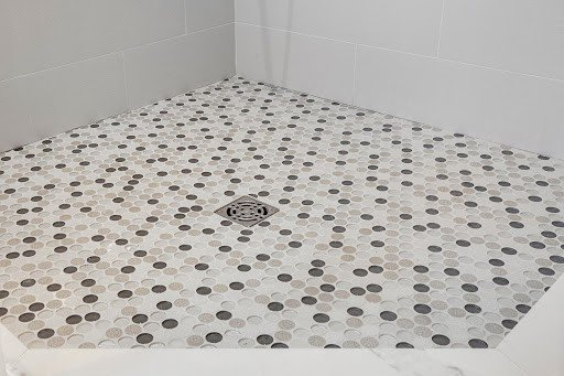 10 tips for choosing bathroom tile