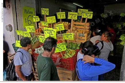 Flash Económico: A pesar de reducciones en gasolina y gas, inflación sube en diciembre. Cierra arriba de meta de Banxico