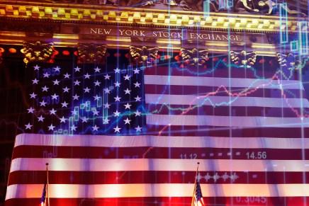 Top del día: Mercados financieros empiezan esta semana con el pie izquierdo por temor a recesión global