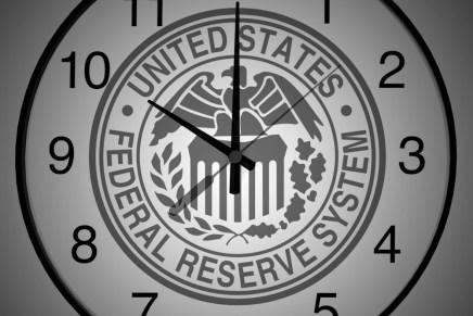 Cierre del día: Inversionistas aguardan la decisión de la FED