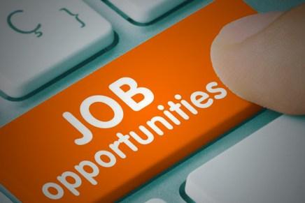 Cierre: Mercados a la espera del reporte laboral en EUA mañana
