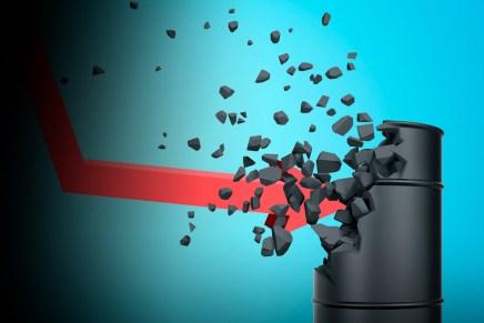 Cierre: Pesimismo se reflejó en un retroceso de los precios del petróleo