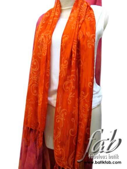 fab_scarf_orangebeauty