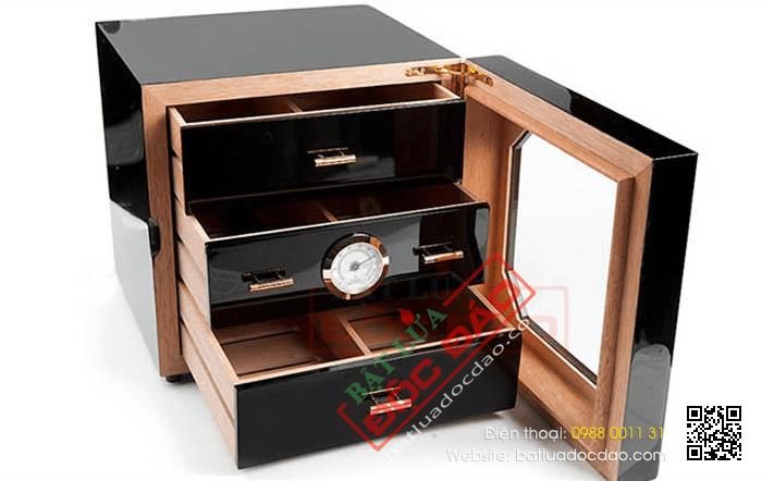 Hộp giữ ẩm Xì gà chính hãng Cohiba 3 ngăn có trang bị đồng hồ đo độ ẩm - Mã SP: BLH007