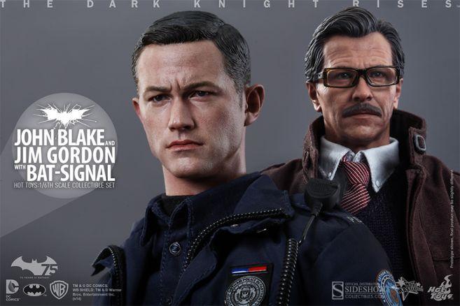 902303-john-blake-and-jim-gordon-with-bat-signal-008