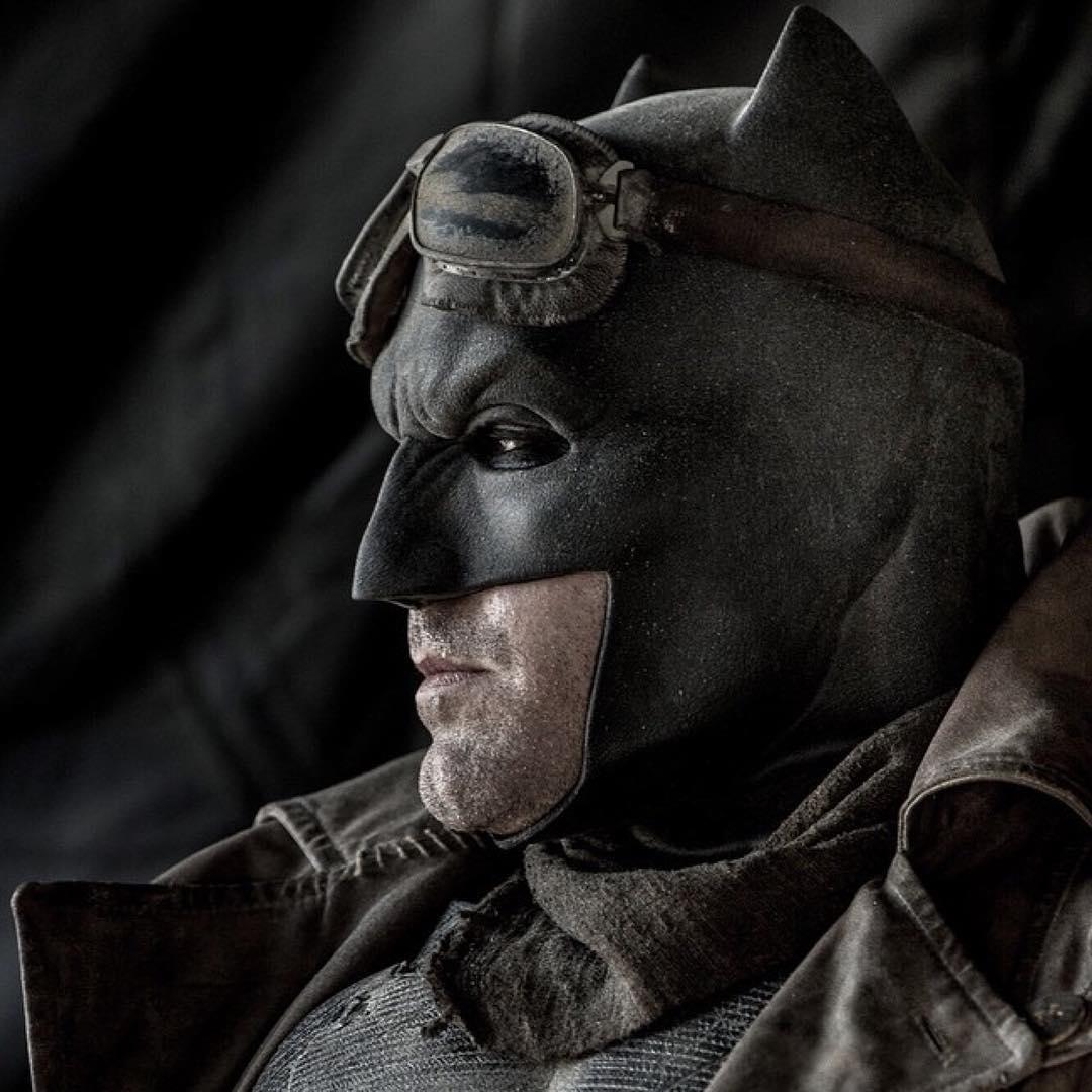 New photo of Ben Affleck as Batman from 'Batman v Superman ...