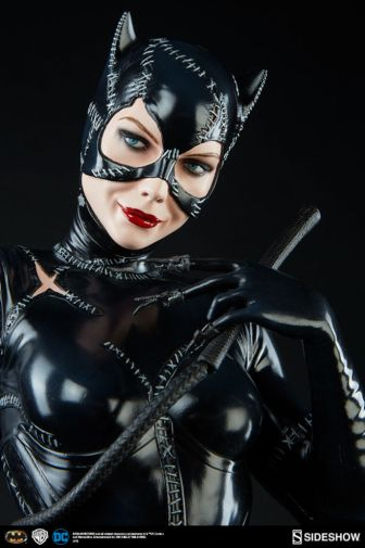 dc-comics-catwoman-premium-format-300270-08