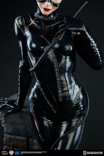 dc-comics-catwoman-premium-format-300270-09