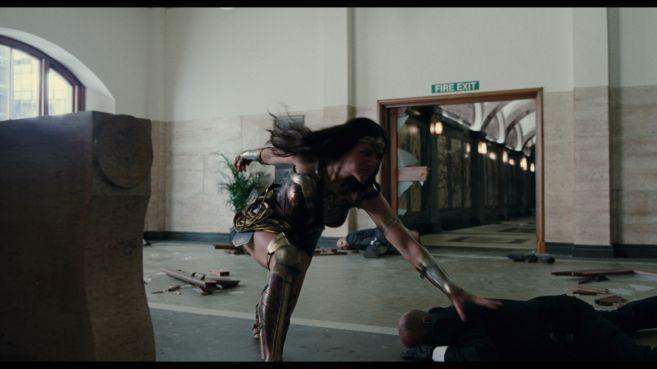 JL-comic-con-trailer-screencaps-26