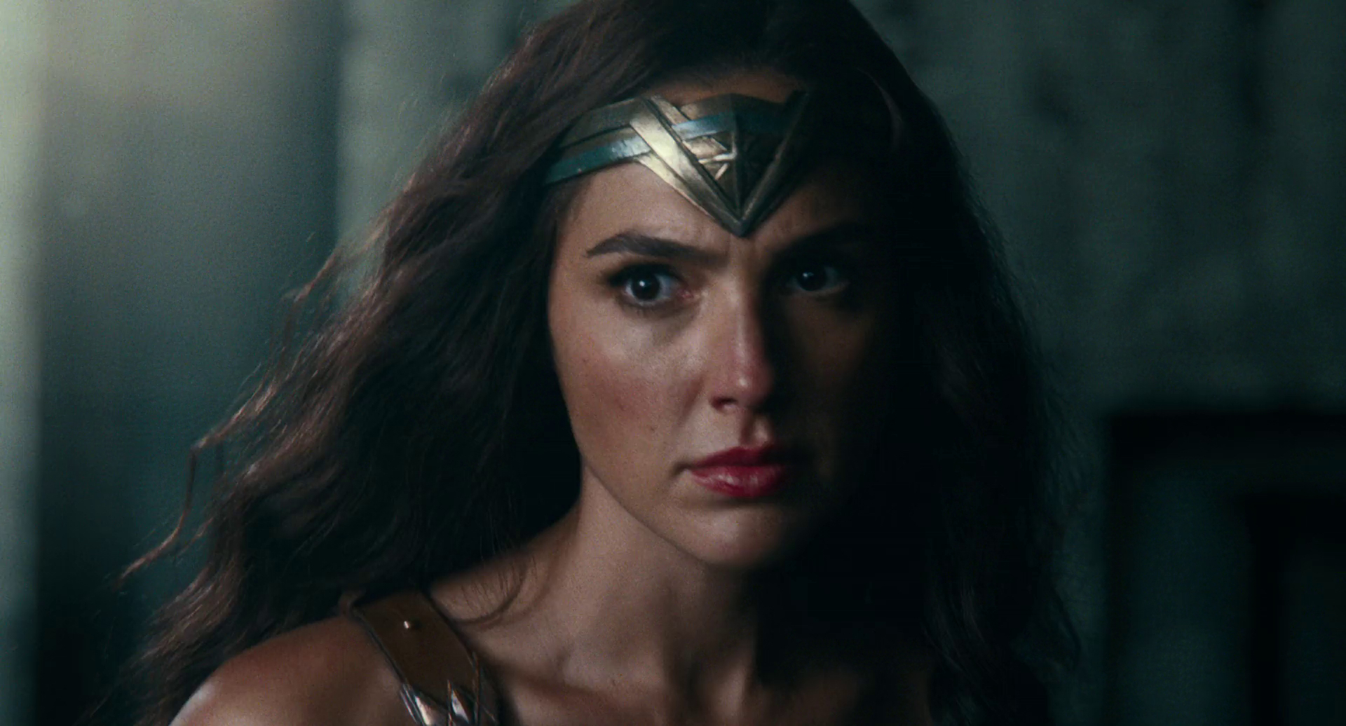First Justice League Clip Shows Wonder Woman Taking On Steppenwolf & Parademons!
