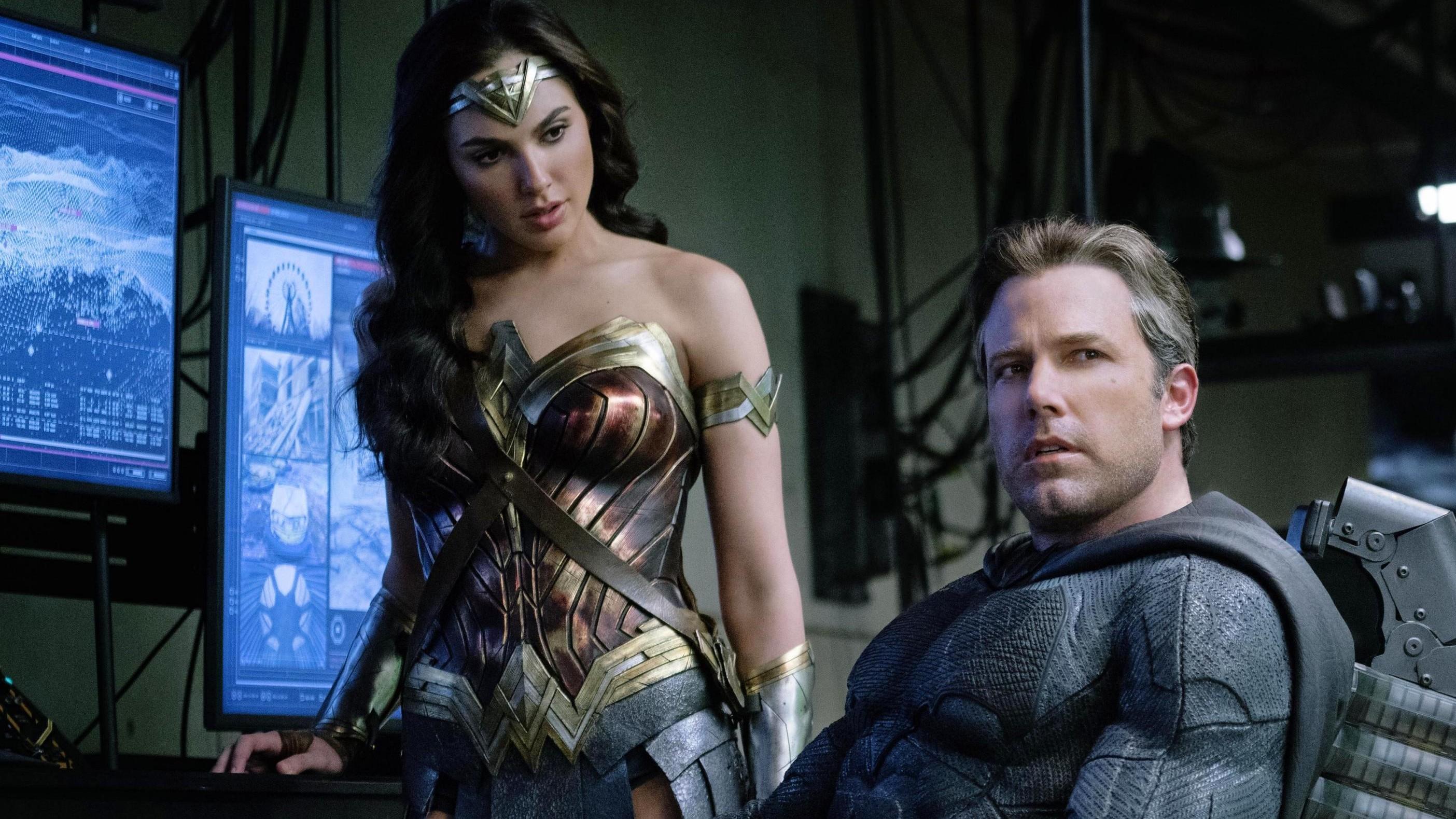 Justice-League-Ben-Affleck-Batman-Gal-Gadot-Wonder-Woman-F