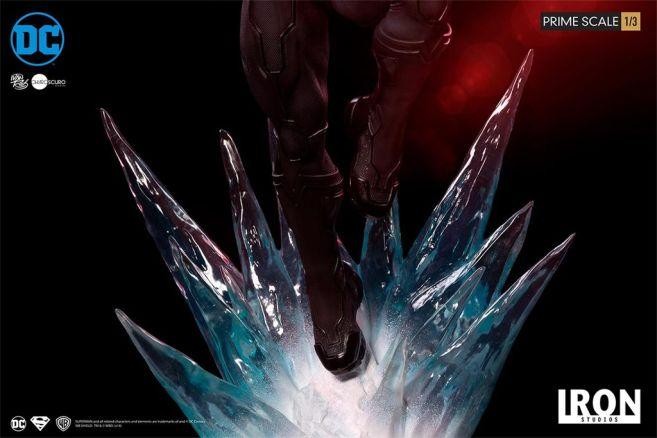 Iron Studios - DC Comics - Superman - Black Suit - 09