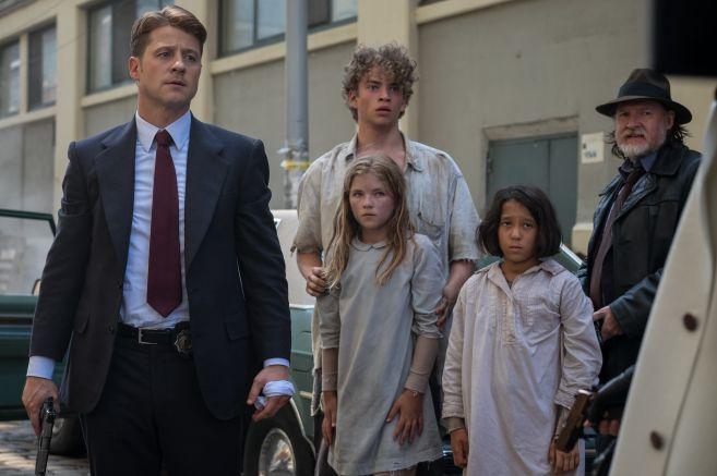 Gotham - Season 5 - Ep 02 - 12