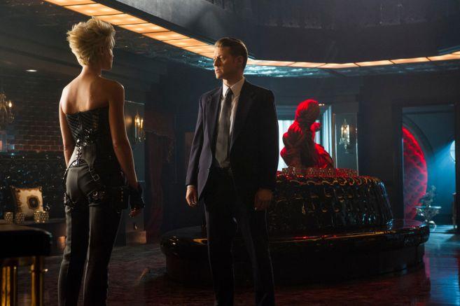 Gotham - Season 5 - Ep 04 - 01