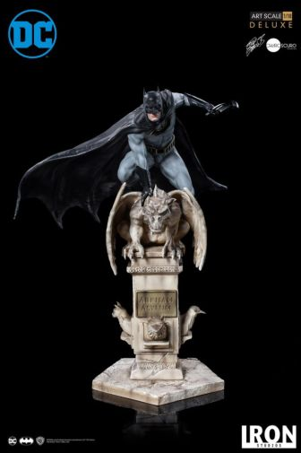 Iron Studios - Batman Deluxe Art Scale - Batman - 01