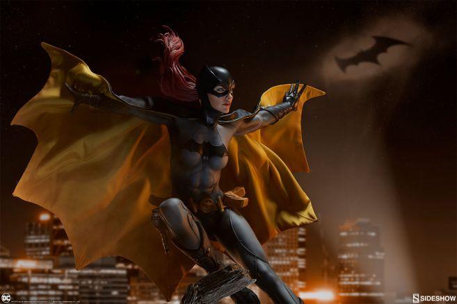 Sideshow - Batman - Batgirl Premium Format Figure - 03