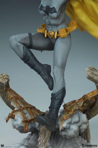 Sideshow - Batman - Batgirl Premium Format Figure - 21