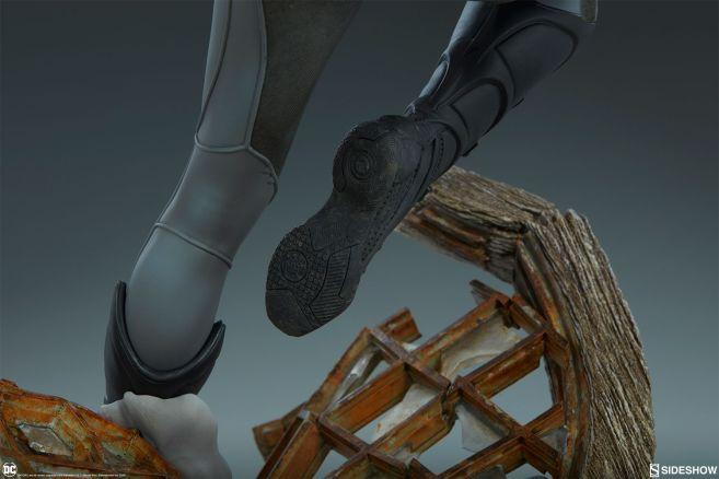 Sideshow - Batman - Batgirl Premium Format Figure - 26