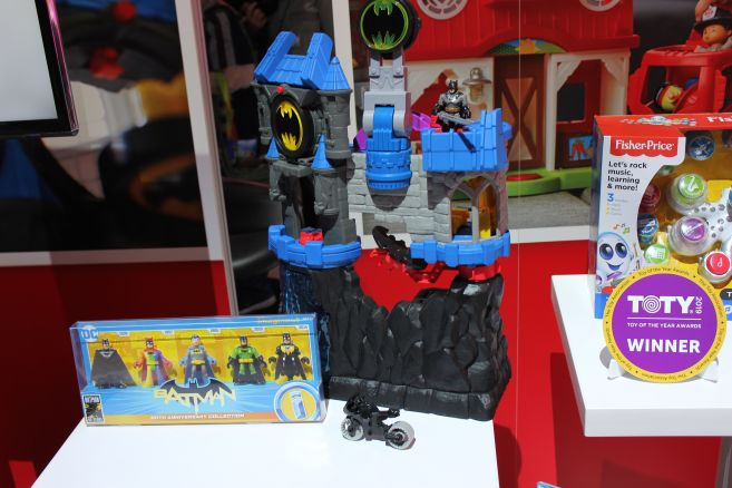 Mattel - Toy Fair 2019 - Imaginext - Batcave - 01