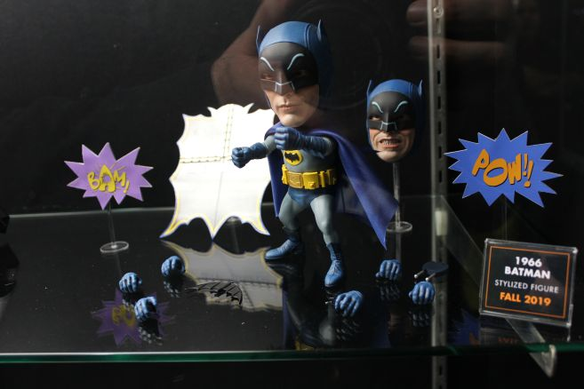 Mezco - Mezco Designer Series - Toy Fair 2019 - 66 Batman - 03
