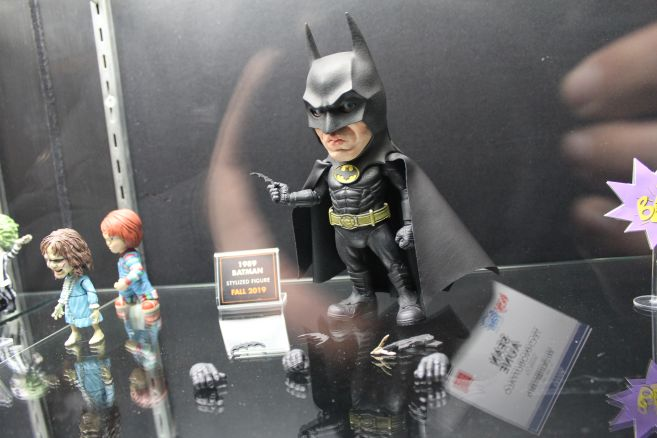 Mezco - Mezco Designer Series - Toy Fair 2019 - 89 Batman Stylized Figure - 01