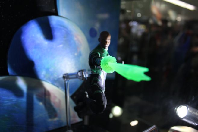 Mezco - One 12 - Toy Fair 2019 - John Stewart - 02