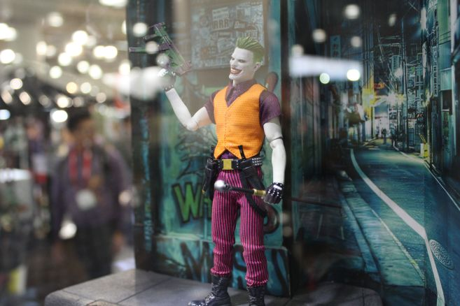 Mezco - One 12 - Toy Fair 2019 - Joker - 03
