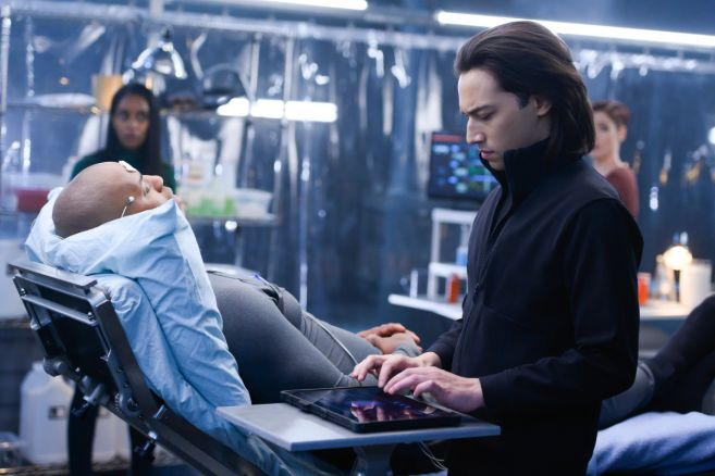 Supergirl - Season 4 - Ep 19 - 13