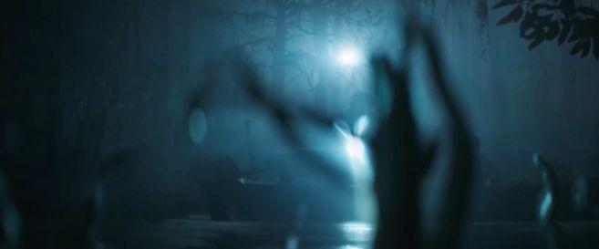 Swamp Thing - Trailer 2 - 04