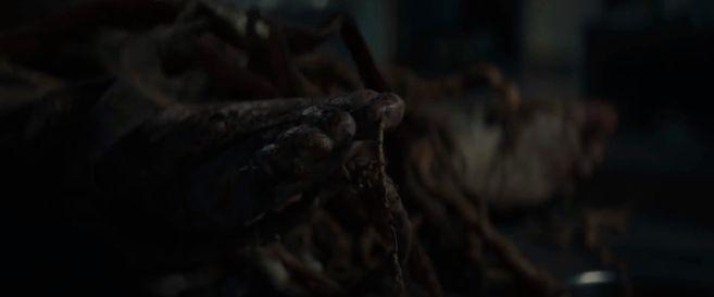 Swamp Thing - Trailer 2 - 07