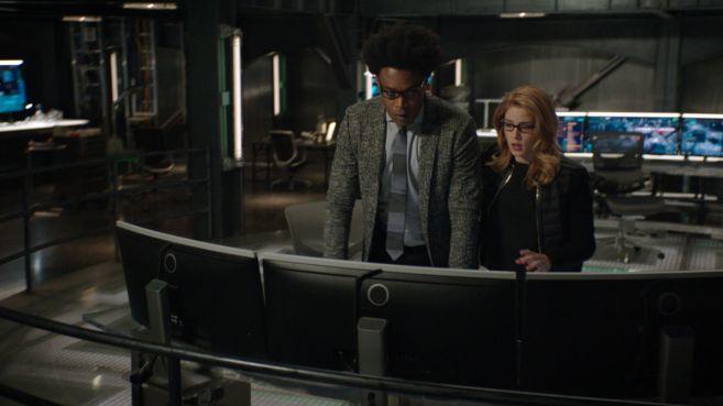 Arrow - Season 7 - Ep 22 - 02