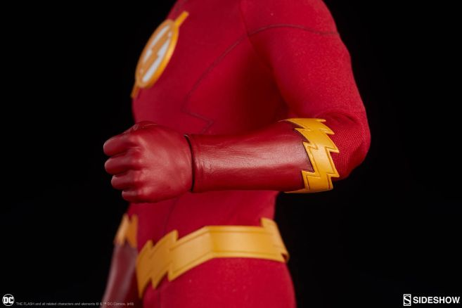 Sideshow - The Flash - Sixth Scale The Flash - 07