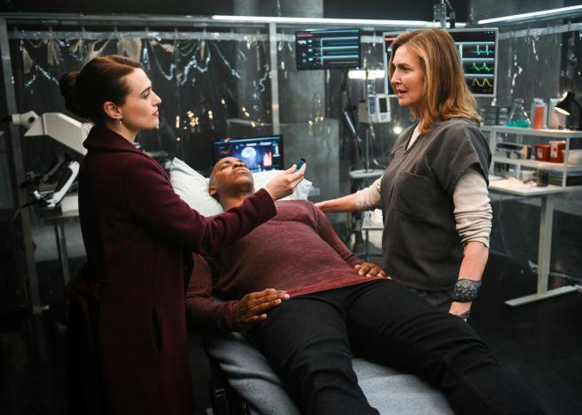 Supergirl - Season 4 - Ep 21 - 15