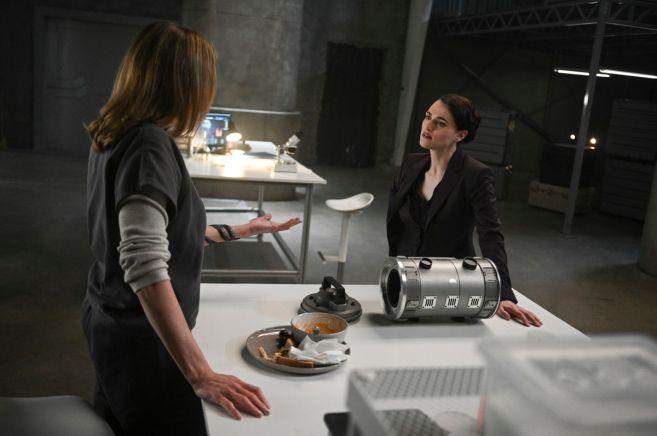 Supergirl - Season 4 - Ep 21 - 18