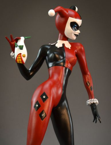 DST - SDCC Exclusives 2019 - DC Premier Collection - Harley Quinn Gem Edition Statue - 06