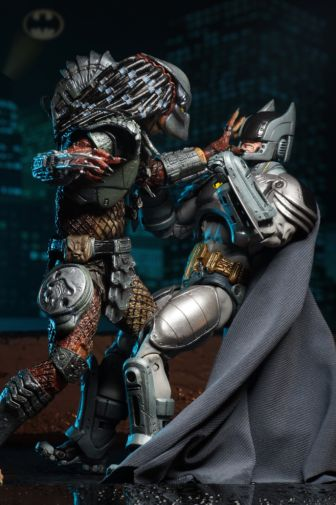 NECA - 2019 Convention Exclusives - Batman vs Predator 2-Pack - 10