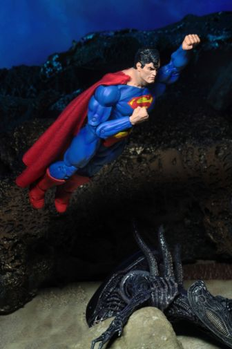 NECA - 2019 Convention Exclusives - Superman vs Alien 2-Pack - 15