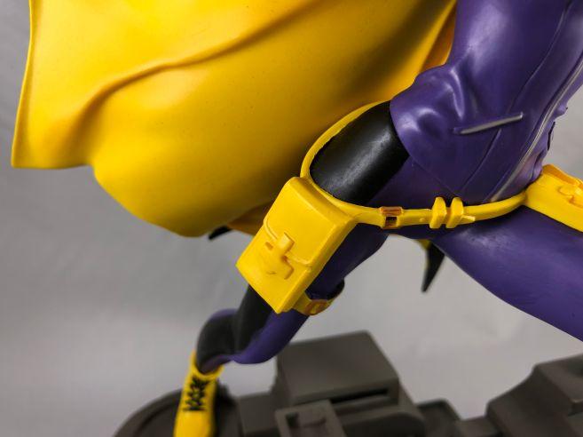 diamond-select-toys-comic-gallery-batgirl-8