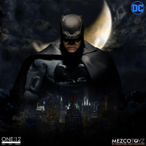 Mezco Toyz - Batman Supreme Knight - 14
