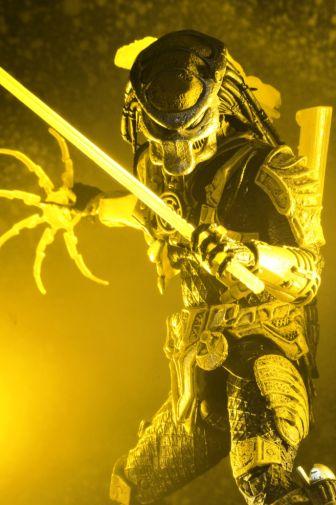 NECA - 2019 Convention Exclusives - Green Lantern vs Predator 2-Pack - 17