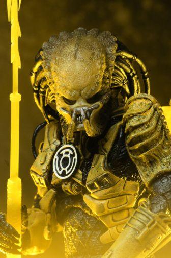 NECA - 2019 Convention Exclusives - Green Lantern vs Predator 2-Pack - 24