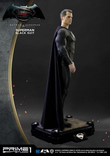 Prime 1 Studio - Superman - Black Suit Superman - 06