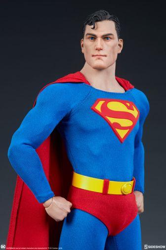 Sideshow - Superman - Sixth Scale Figure - 04